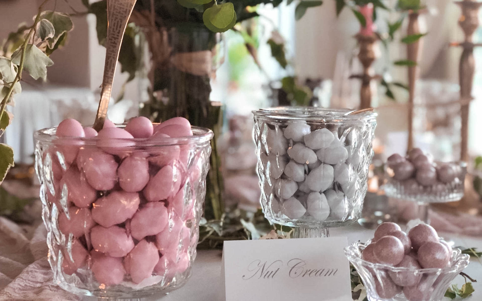 White House Events - White House Events - confetti-6